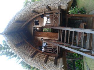 バリ島一周自転車ツーリング4日目 自転車復活! バリの伝統的高床式住居に泊まる