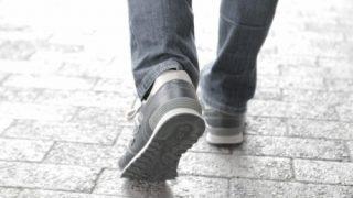 脳出血で半身不随の方「最近の歩行は見違えるようだ」と言われています。