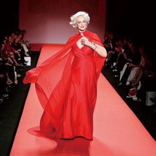 【カルメン・デロリフィチェ】85歳の現役スーパーモデルが語る「美しさの秘訣」