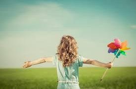 人間関係の不満は「人に何かを期待すること」から生じる【期待がないのが究極の自由】