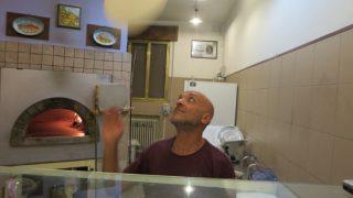 【イタリア旅行記】イタリア最良のピザテリア、一枚230円から一番高いスペシャルで850円!(Mサイズ)